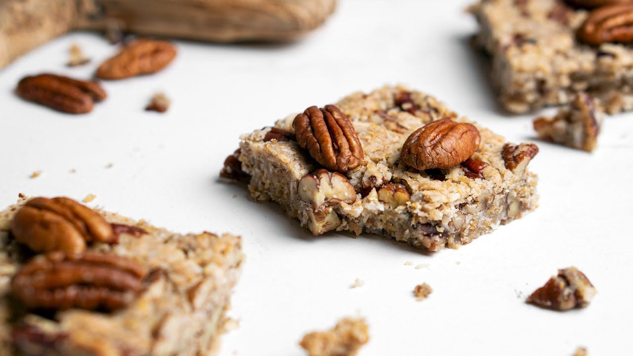Keto Maple Pecan Fat Bomb Bar [with Homemade 'Maple Syrup']
