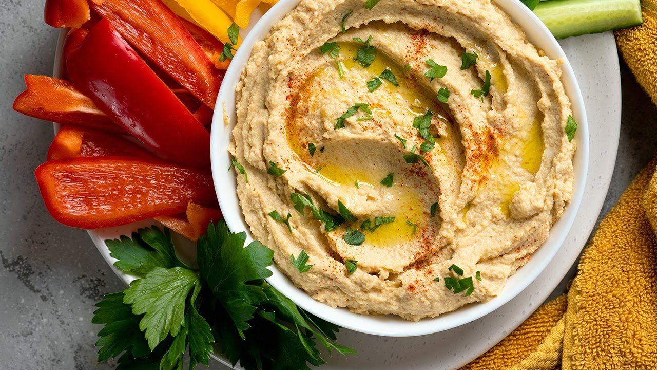 Keto-Friendly Hummus Recipe [Secret Ingredient: Cauliflower]